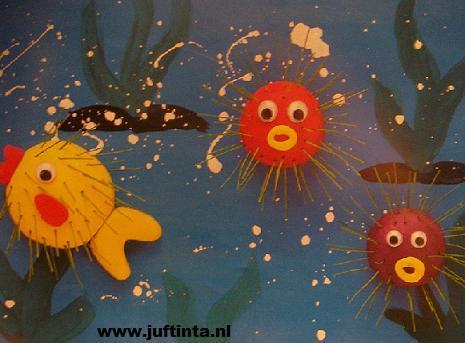 stekelvissen in de zee 2