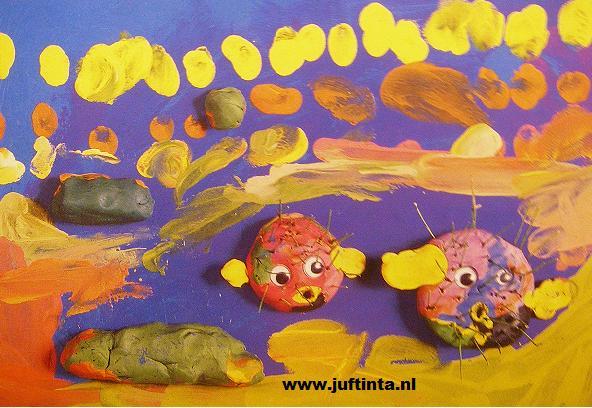 stekelvissen in de zee