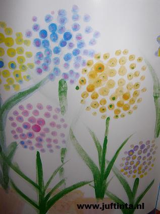 gestippelde bloemen